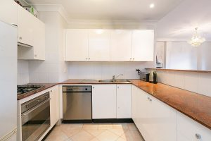 KITCHEN_11_33_Ocean_St_North_Bondi